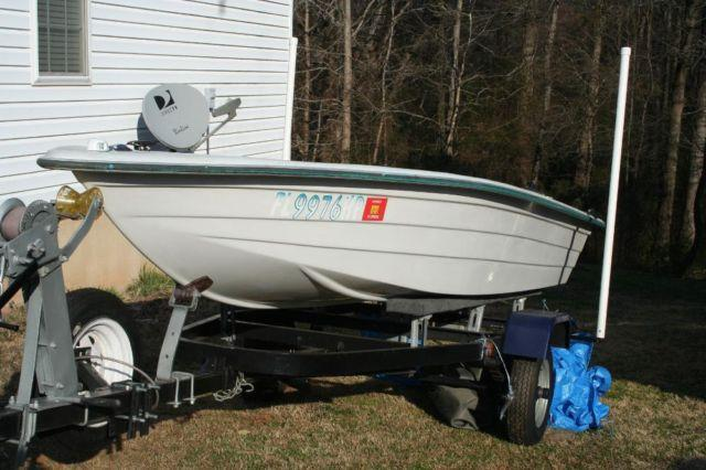14 ft fishing jonboat skiff w livewells trailer 4 for Fish livewell for boat