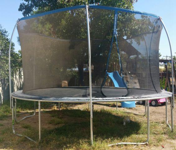 14 ft Trampoline SportsPower 14 feet