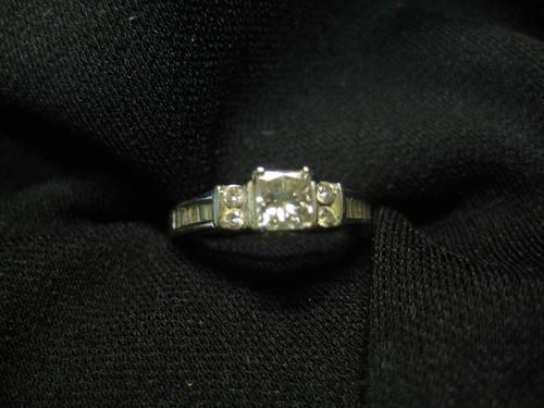 14 K WHITE GOLD DIAMOND ENGAGEMENT RING NEW APPRAISAL