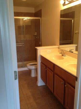 - $1400 / 3br - 1480ft² - Beautiful Townhouse in Oviedo