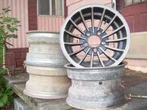 15 in. x 8 dukes of hazzard style wheels - $125 (wilkes