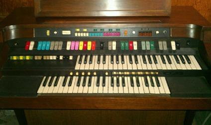 hammond organ model 8200 for sale for sale in stockton california classified. Black Bedroom Furniture Sets. Home Design Ideas