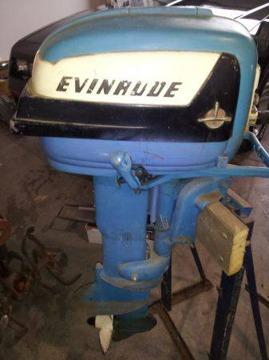 Vintage evinrude 10hp outboard motor tank and stand for Large outboard motor stand