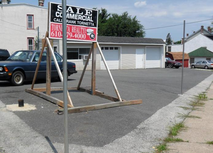 Large Car Lot, Garage, Office (Phoenixville, Chester) (map