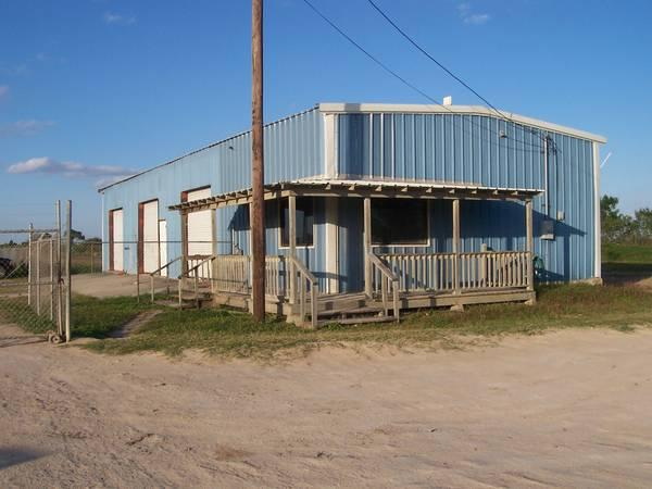$1500 Metal building 30X80 for lease