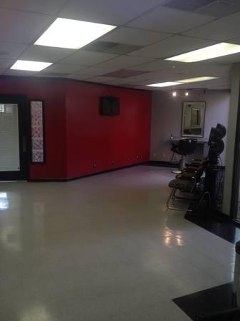1500ft hair salon for lease for sale in memphis tennessee classified. Black Bedroom Furniture Sets. Home Design Ideas