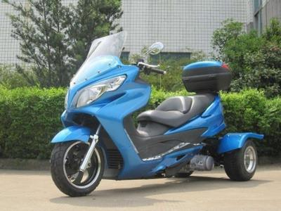 150cc Cyclone Trike Moped Scooter
