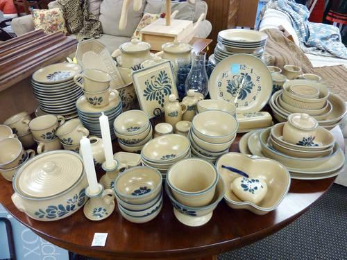 151 Piece Vintage Folk Art USA Dinnerware sets by & 151 Piece Vintage Folk Art USA Dinnerware sets by PFALTZGRAFF for ...