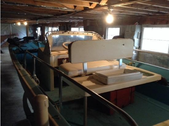16' 1972 Boston Whaler Side Console