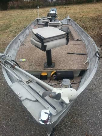 16 ft jon boat and trailer with 18hp evinrude and foot