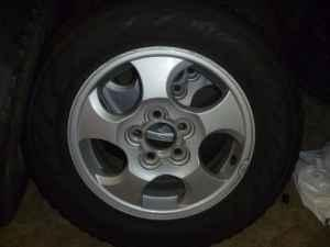 16 inch alloy rims tires from 02 04 saturn vue w tires 215 70 r16 nashville tn for sale in. Black Bedroom Furniture Sets. Home Design Ideas