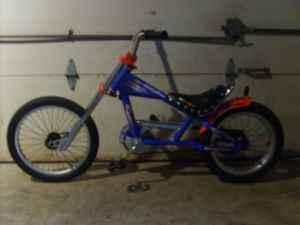 16 SCHWINN STINGRAY BIKE - $80 J-TOWN, LOUISVILLE KY 40299