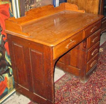 $165 Antique Small Oak Office Desk