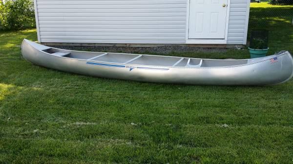 17 Aluminum Grumman Canoe