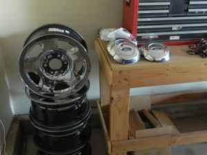 17 ford rims - $200 pueblo west