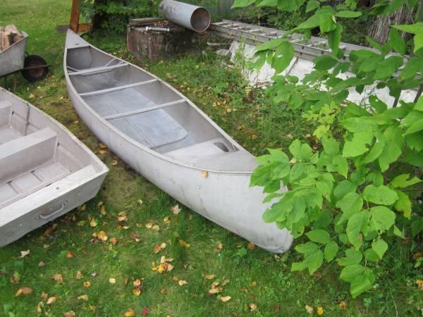 17 ft grumman canoe - $450