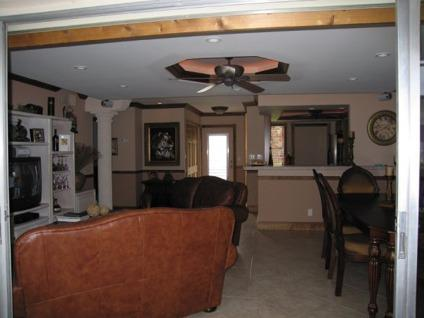 $179,000 Superb Turn Key Condo For Sell $179,000