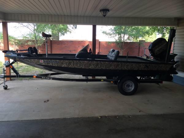 17ft Xpress Fishing Boat Camo For Sale In Monroe