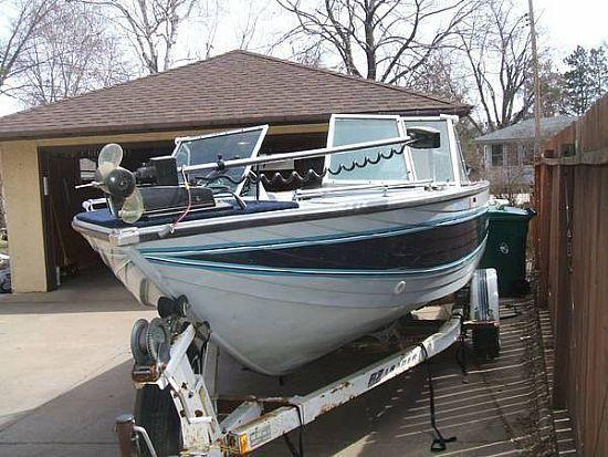 18 39 1988 crestliner nordic phantom for sale in minneapolis for Boat motors for sale mn