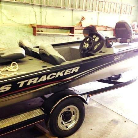 18' 2010 Bass Tracker Pro Team 190 TX