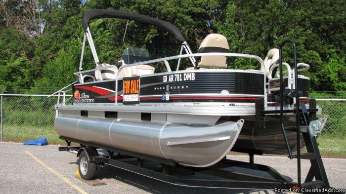 18 2013 Sun Tracker Bass Buggy Brand New Pontoon Boat
