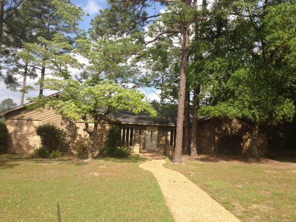 $185000 / 3br - 2925ft² - Lamplighter Woods renewed