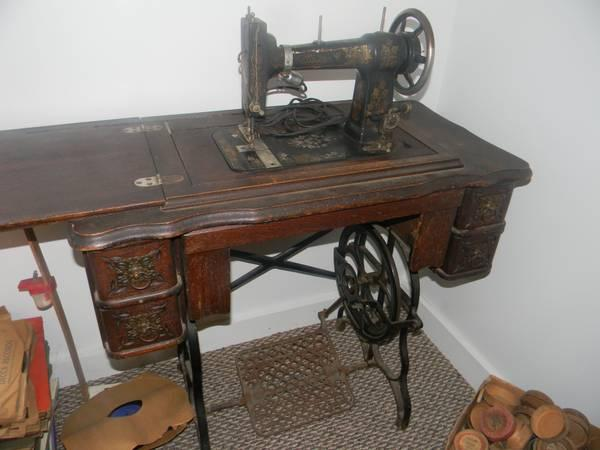 1882 Badged Singer Treadle Sewing Machine For Sale In