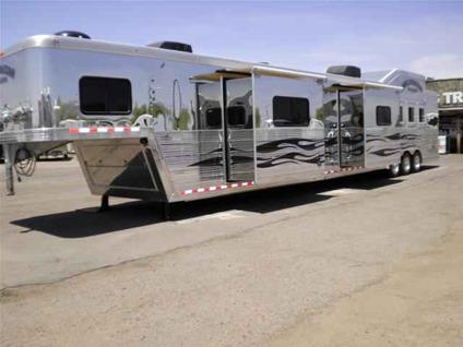 Used Horse Trailer 2010 Bloomer Trailers Double Slide 26