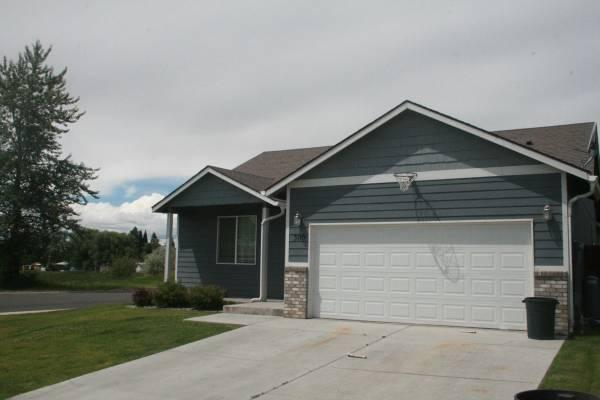 3br 1500ft price lowered beautiful zillah house in