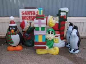 18 vintage christmas blow molds including snoopy topeka kansas