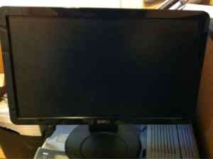 19 dell flat screen lcd monitor - $40 Cache