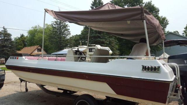 19 ft deck boat w 85 hp yamaha motor and easy roller for Yamaha motor boats for sale