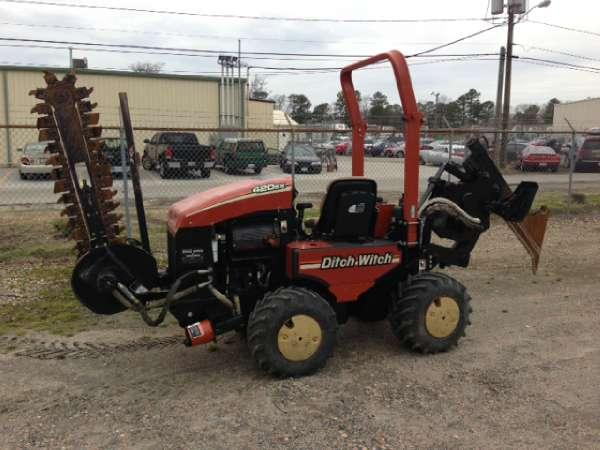 1900 Ditch Witch Ditch Witch 420SX Vibratory Plow