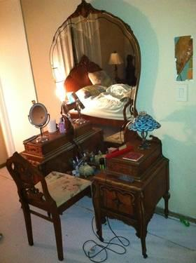 1900 S Antique Vanity Obo For Sale In Pacific Junction