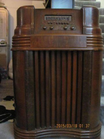 1900 S Philco Console Radio Oak Cabinet For Sale In