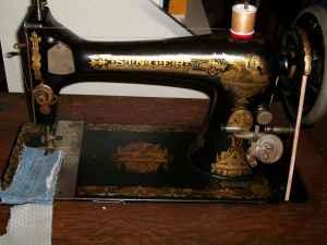 1905 Singer Treadle Sewing Machine Model 27. Sphinx -