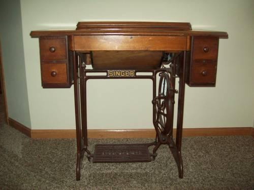 Charmant Singer Sewing Machine Cabinet Classifieds   Buy U0026 Sell Singer Sewing  Machine Cabinet Across The USA   AmericanListed