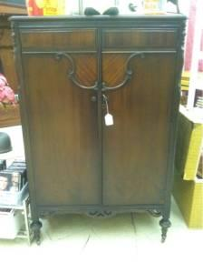 1930 39 S Chifferobe Wardrobe Excellent Condition Bloomington For Sale In Bloomington Indiana