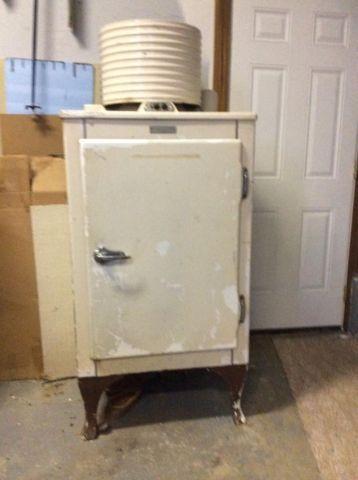 1930 S Ge Antique Refrigerator For Sale In Ballardsville