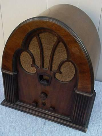 1931 Philco Cathedral Tube Radio Looks and works great