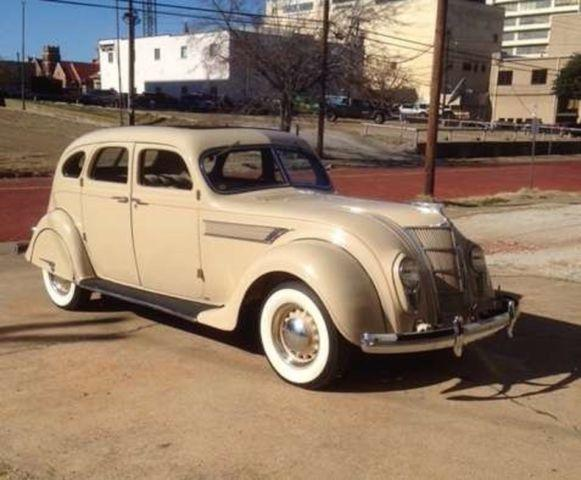 1935 Chrysler Airflow 4DR Sedan