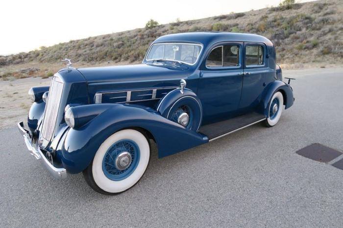 1936 Pierce-Arrow 1601 Club Sedan RWD