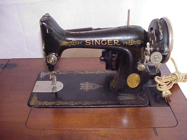1938 Vintage Singer Model 99 13 Sewing Machine W Cabinet