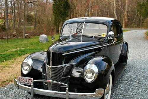 1940 Ford Deluxe Busniess Coupe