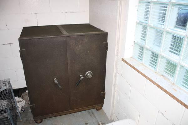1940s-50s Mosler Safe - $400