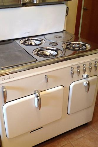 1949 Antique Chambers Stove For Sale In Houston Texas
