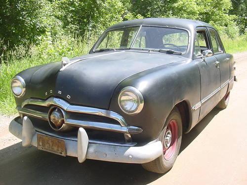 1949 Ford Custom flathead V8