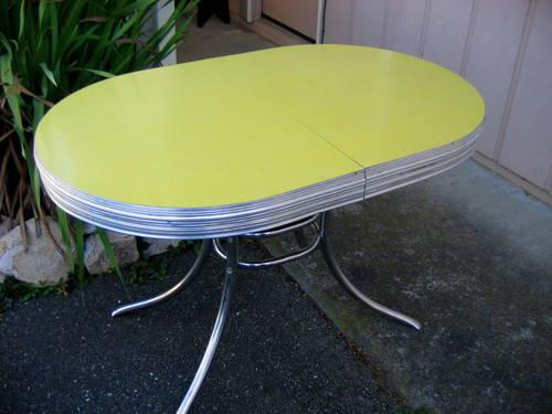 1950 S Formica And Chrome Table Yellow Cracked Ice Oval 29