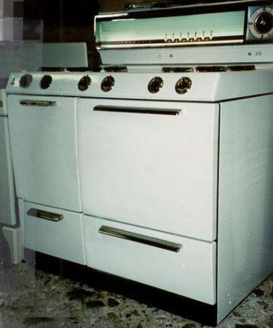 1958 Caloric Ultramatic Gas Stove For Sale In Warwick New