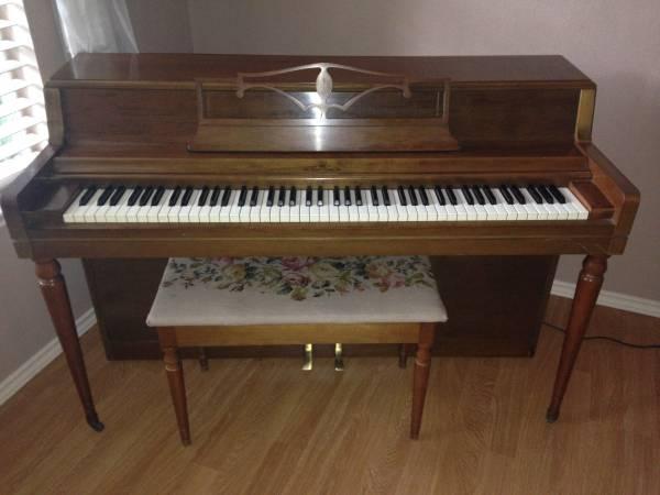 1960 Piano For Sale 1960 Wurlitzer Upright Piano